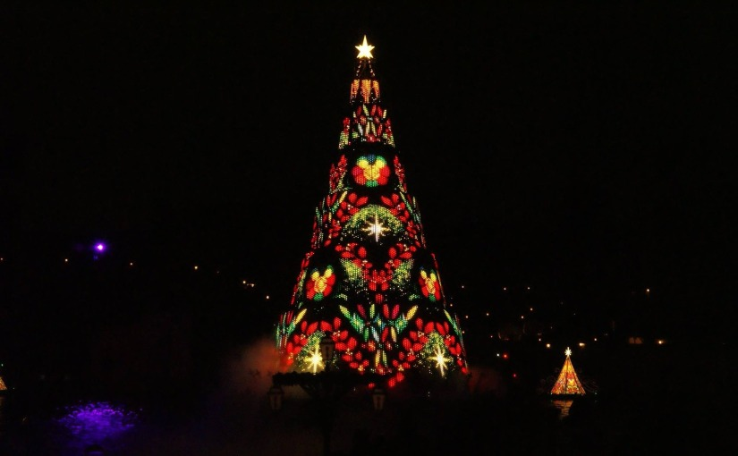 Kick off the holiday season at one of these 11 festive tree-lightingceremonies